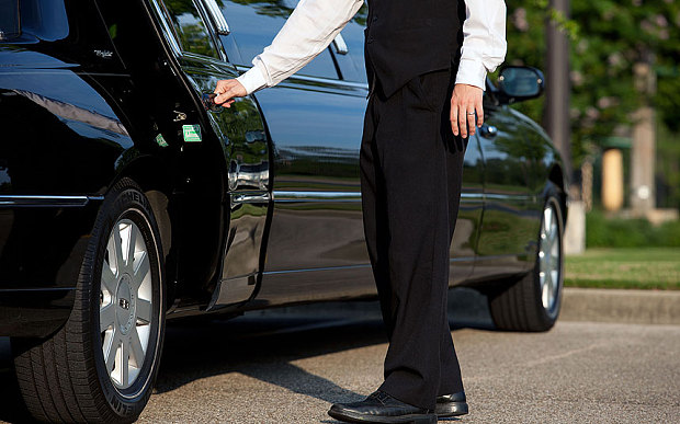 Renting a Cheap Yet High Quality Limo Service